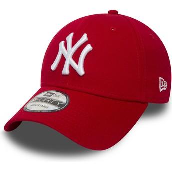 Gorra curva roja ajustable 9FORTY Essential de New York Yankees MLB de New Era