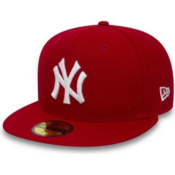New Era Flat Brim 59FIFTY Essential New York Yankees MLB Red Fitted Cap