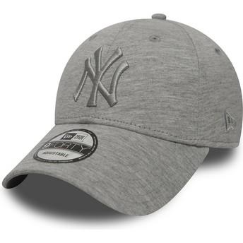Gorra curva gris ajustable con logo gris de New York Yankees MLB 9FORTY Essential de New Era