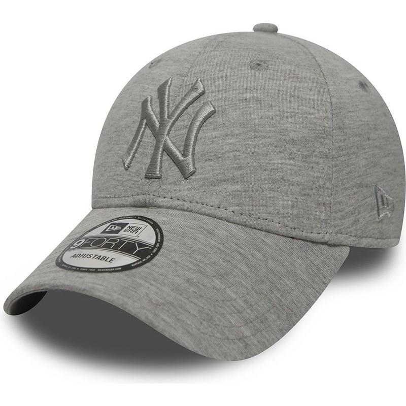 dde4aee66 New Era Curved Brim Grey Logo 9FORTY Essential New York Yankees MLB ...