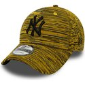 new-era-curved-brim-black-logo-9forty-engineered-fit-new-york-yankees-mlb-yellow-adjustable-cap