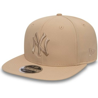 New Era Flat Brim Pink Logo 9FIFTY Nano Ripstop New York Yankees MLB Pink Snapback Cap