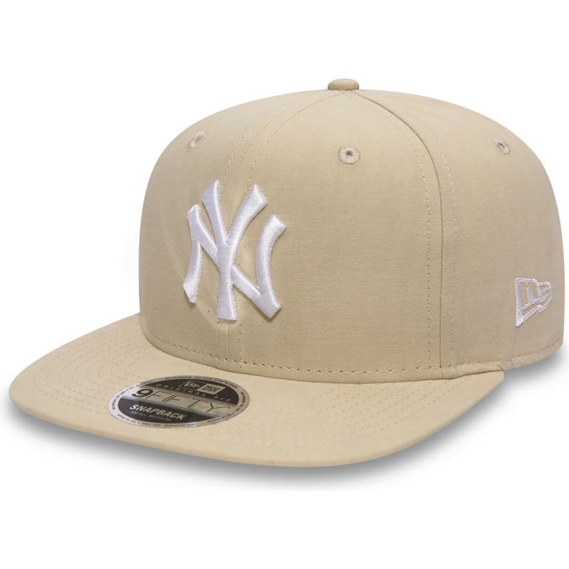 ed8e526964d6c New Era Flat Brim 9FIFTY Lightweight Essential New York Yankees MLB Pink  Snapback Cap