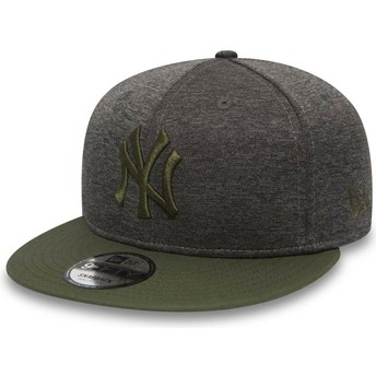 New Era Flat Brim Green Logo 9FIFTY Heather Jersey New York Yankees MLB Grey Snapback Cap with Green Visor
