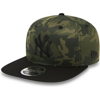 New Era Flat Brim Black Logo 9FIFTY Mesh Overlay New York Yankees MLB Camouflage Snapback Cap with Black Visor