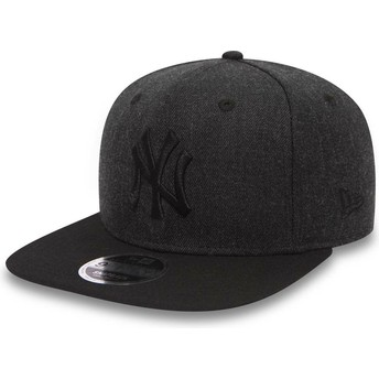 New Era Flat Brim Black Logo 9FIFTY Seasonal Heather New York Yankees MLB Black Snapback Cap