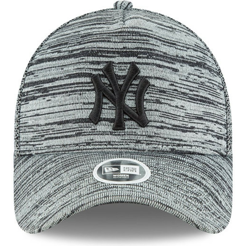 5df0aa11c5e New Era Curved Brim Black Logo 9FORTY Engineered Fit New York ...