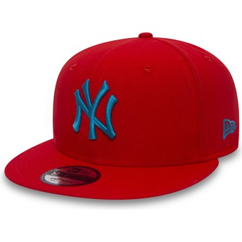 New Era Flat Brim Blue Logo 9FIFTY Essential League New York Yankees MLB Red Snapback Cap