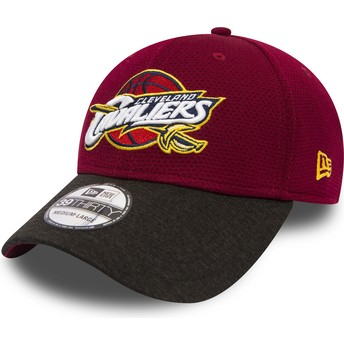 New Era Curved Brim 39THIRTY Shadow Tech Cleveland Cavaliers NBA Red Fitted Cap with Black Visor