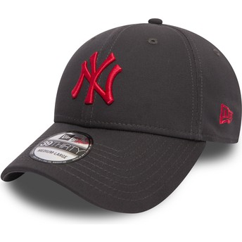 New Era Curved Brim Red Logo 39THIRTY Essential League New York Yankees MLB Stone Fitted Cap