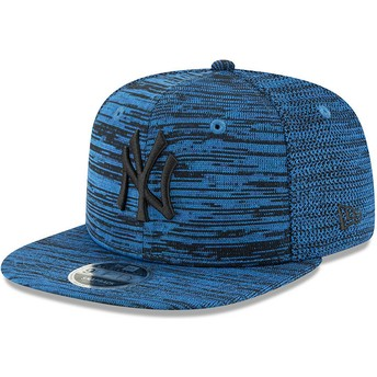 New Era Flat Brim Black Logo 9FIFTY Engineered Fit New York Yankees MLB Blue Snapback Cap