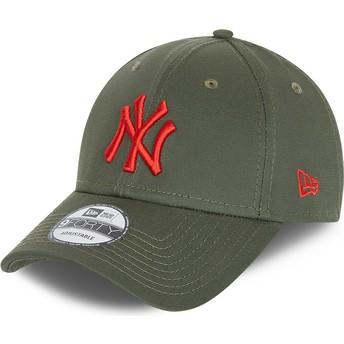 Gorra curva verde ajustable con logo rojo 9FORTY League Essential de New York Yankees MLB de New Era