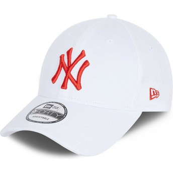 New Era Curved Brim Red Logo 9FORTY League Essential New York Yankees MLB White Adjustable Cap