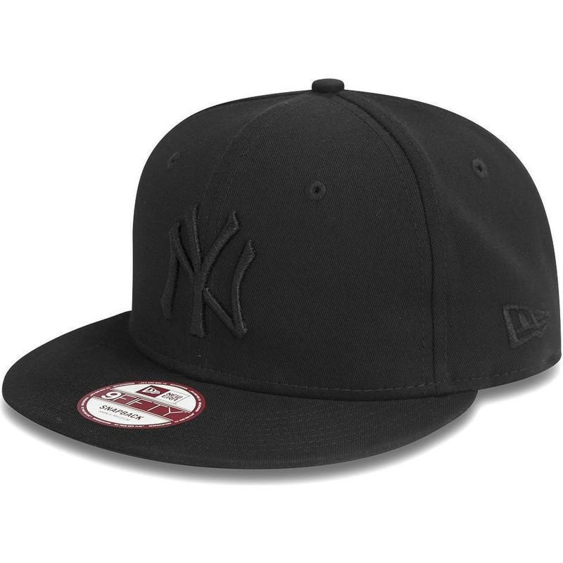 New Era Flat Brim 9FIFTY Black on Black New York Yankees MLB Black ... f4bbbfa0bc6