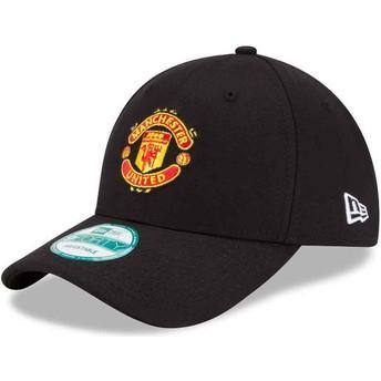 Gorra curva negra ajustable 9FORTY Essential de Manchester United Football Club de New Era