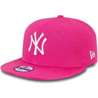 New Era Flat Brim Youth 9FIFTY Essential New York Yankees MLB Pink Snapback Cap